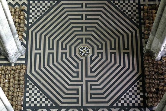 la_cathedrale_notre_dame_d_amiens_le_labyrinthe_imagelarge